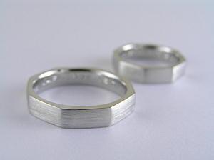 8角形の結婚指輪