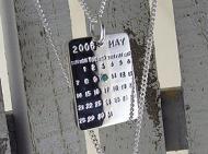 カレンダーのペンダント