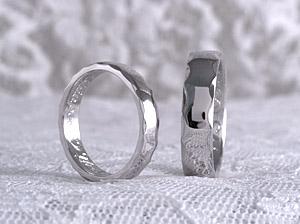 幅のある結婚指輪