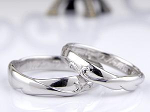羽を入れた結婚指輪