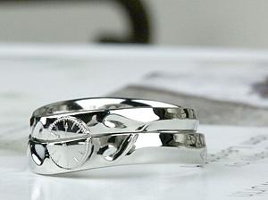 上品なラインの指輪