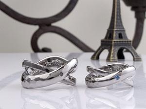 感じの良い二連結婚指輪