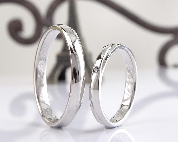当店オリジナルの結婚指輪のアレンジ例です シンプルなラインが入ったデザインですが、ダイヤを1石あしらうだけで またちがった表情になります  お好みのカラーダイヤや誕生石をあしらってみてはいかがでしょうか