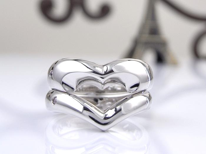 ハートのデザインこれまでに沢山作ってきました。 想いっきりハートのマリッジリングとして作りたいと相談を受けて相談を受けて作った指輪です。