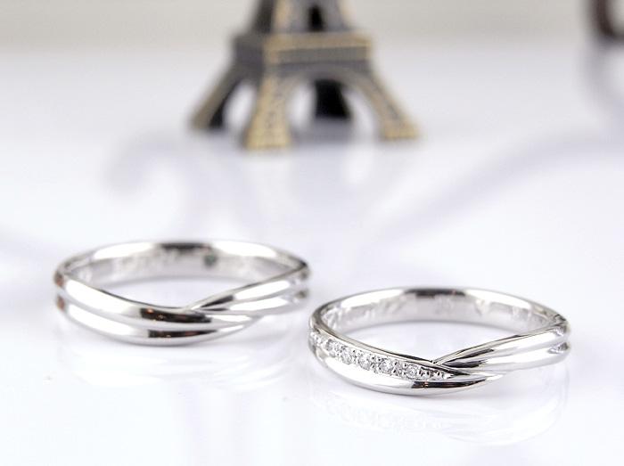 シンプルなデザインで2本のラインで仕上げた指輪です オーダーメイドで作っております。