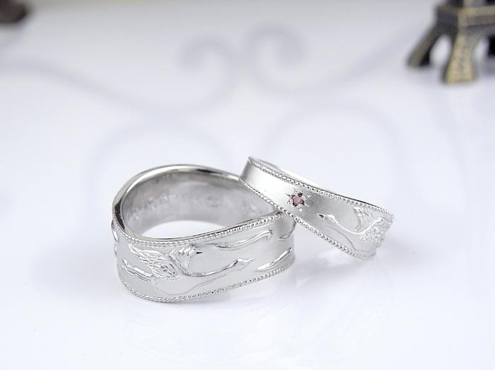 ブライダル情報誌メロンのブライダルカウンターの紹介でご来店頂き作った指輪です、パラジウム1000で作っています、モチーフは鶴は、向かい合うようにしていますs