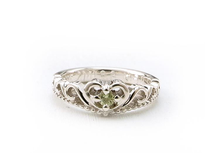 """ジュエリーアトリエの<a href=""""http://www.jewelry-atelier.biz/"""">ベビーリング</a>で1番人気のティアラデザインです"""