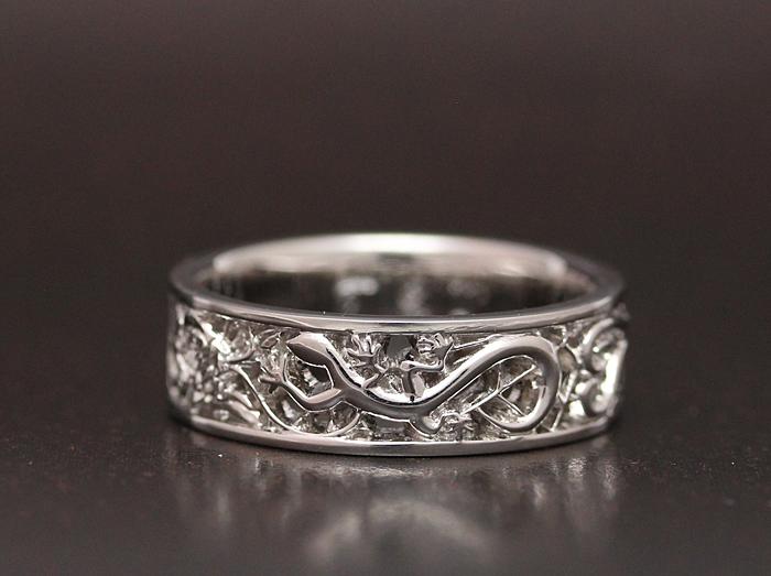 トカゲをイメージして作った指輪です