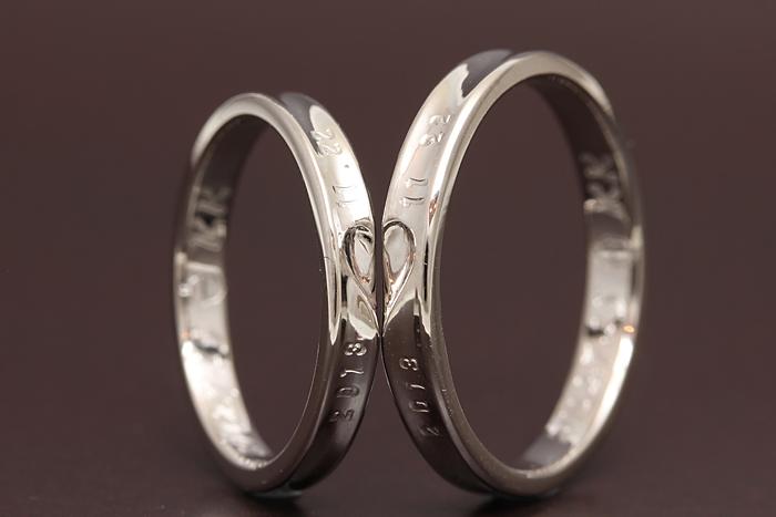 オリジナル指輪のアレンジ例です は合わさる事でハートのデザインで、 小さなハートがアクセントになります。