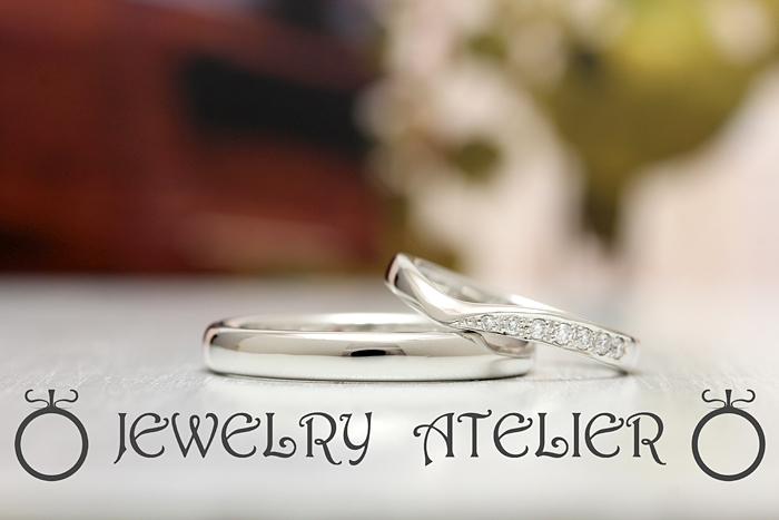 当店の商品ナンバー17に石留を入れた結婚指輪です
