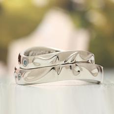 合わせて一つの結婚、オーダーメイドだから出来るデザインです 二人の共通する模様やデザインを形にしていく事が出来ます